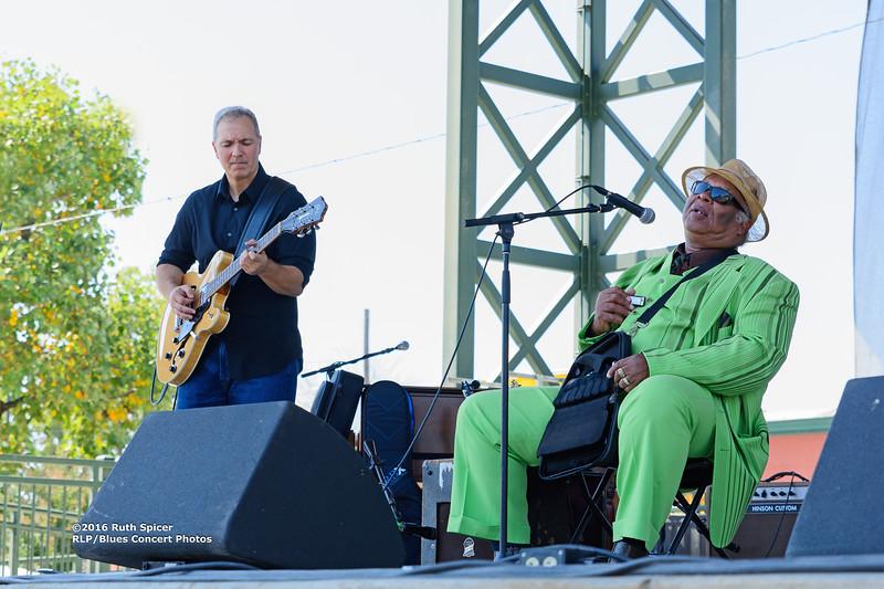 10-07-2016 - Blind Mississippi Morris - King Biscuit Blues Festival #3