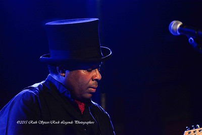07-25-2015 - Chris Thomas King - Vinyl Music Hall #38