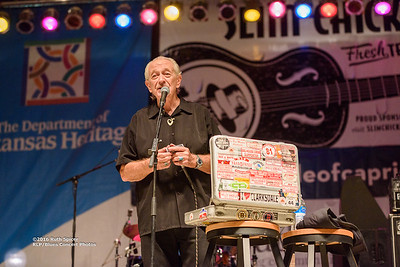 10-08-2016 - Charlie Musselwhite - King Biscuit Blues Festival #6