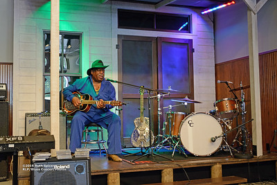 10-07-2016 - GuitarMac MacKnally - King Biscuit Blues Festival #1