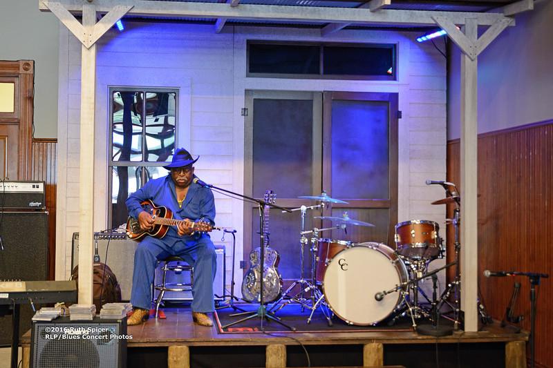 10-07-2016 - GuitarMac MacKnally - King Biscuit Blues Festival #3
