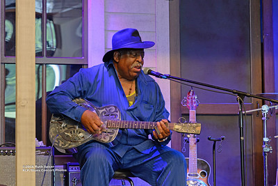 10-07-2016 - GuitarMac MacKnally - King Biscuit Blues Festival #16