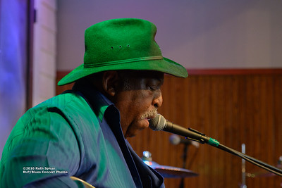 10-07-2016 - GuitarMac MacKnally - King Biscuit Blues Festival #8