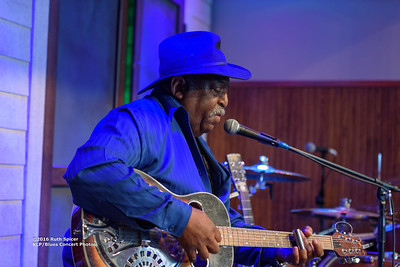 10-07-2016 - GuitarMac MacKnally - King Biscuit Blues Festival #21