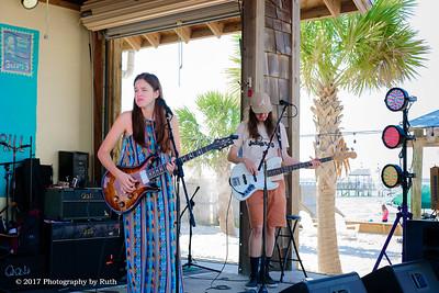 05-07-2017 - Heather Gillis Band - Paradise Bar & Grill #27