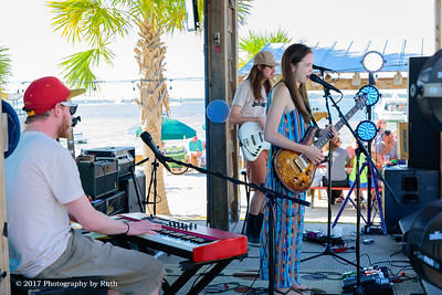 05-07-2017 - Heather Gillis Band - Paradise Bar & Grill #23