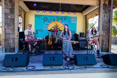 05-07-2017 - Heather Gillis Band - Paradise Bar & Grill #11