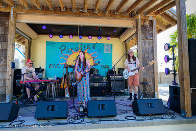 05-07-2017 - Heather Gillis Band - Paradise Bar & Grill #20