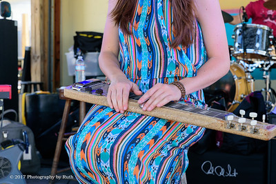 05-07-2017 - Heather Gillis Band - Paradise Bar & Grill #7