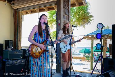 05-07-2017 - Heather Gillis Band - Paradise Bar & Grill #22