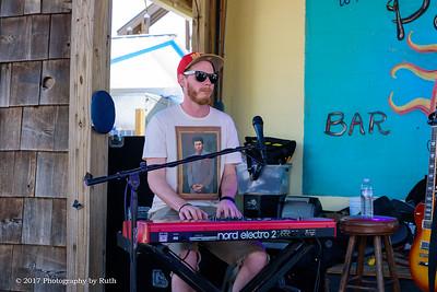 05-07-2017 - Heather Gillis Band - Paradise Bar & Grill #10