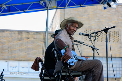 10-07-2016 - Henry Gip Gibson - King Biscuit Blues Festival #14