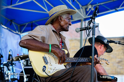 10-07-2016 - Henry Gip Gibson - King Biscuit Blues Festival #18