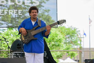 04-09-2016 - James Chicken Scratch Johnson - Baton Rouge Bloues Festival #9