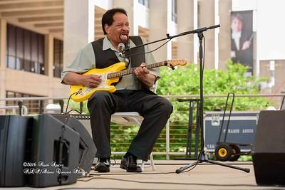 04-09-2016 - James Chicken Scratch Johnson - Baton Rouge Bloues Festival #7