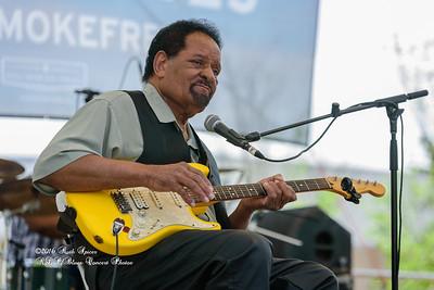 04-09-2016 - James Chicken Scratch Johnson - Baton Rouge Bloues Festival #17