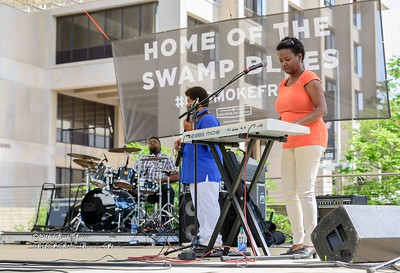 04-09-2016 - James Chicken Scratch Johnson - Baton Rouge Bloues Festival #5