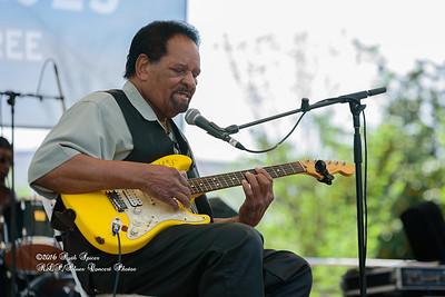 04-09-2016 - James Chicken Scratch Johnson - Baton Rouge Bloues Festival #10