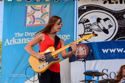 10-08-2016 - Katy Guillen & The Girls - King Biscuit Blues Festival #4