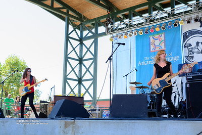 10-08-2016 - Katy Guillen & The Girls - King Biscuit Blues Festival #1
