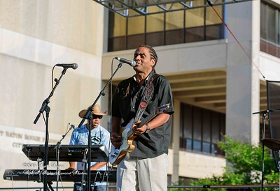 04-10-2016 - Kenny Neal & The Neal Family - Tribute to Raful Neal - Baton Rouge Blues Festival #25