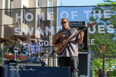 04-10-2016 - Kenny Neal & The Neal Family - Tribute to Raful Neal - Baton Rouge Blues Festival #37