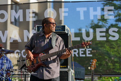 04-10-2016 - Kenny Neal & The Neal Family - Tribute to Raful Neal - Baton Rouge Blues Festival #27