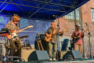 10-07-2016 - Lonnie Shields Band - King Biscuit Blues Festival #24