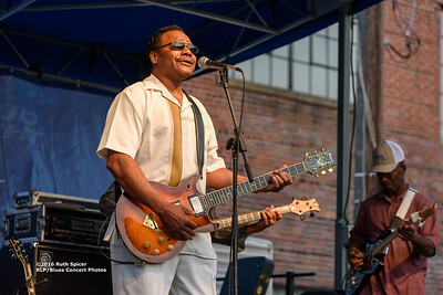 10-07-2016 - Lonnie Shields Band - King Biscuit Blues Festival #33