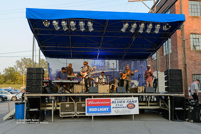 10-07-2016 - Lonnie Shields Band - King Biscuit Blues Festival #4