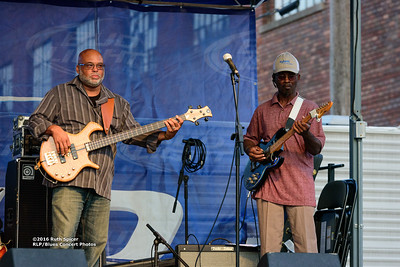 10-07-2016 - Lonnie Shields Band - King Biscuit Blues Festival #19