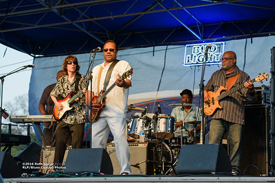 10-07-2016 - Lonnie Shields Band - King Biscuit Blues Festival #38