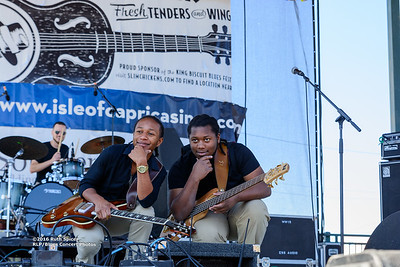 10-08-2016 - Peterson Brothers - King Biscuit Blues Festival #10