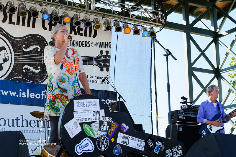 10-06-2016 - Reba Russell - King Biscuit Blues Festival #4