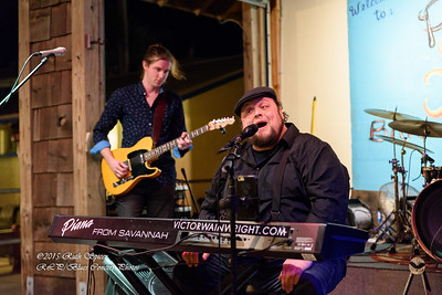 12-01-2015 - Victor Wainwright & The Wildroots - Paradise Bar & Grill #21