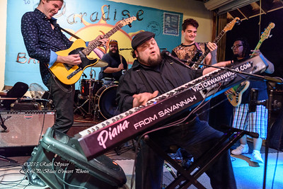 12-01-2015 - Victor Wainwright & The Wildroots - Paradise Bar & Grill #27