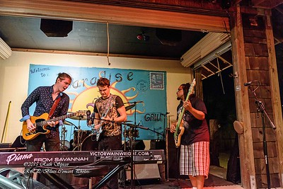 12-01-2015 - Victor Wainwright & The Wildroots - Paradise Bar & Grill #15