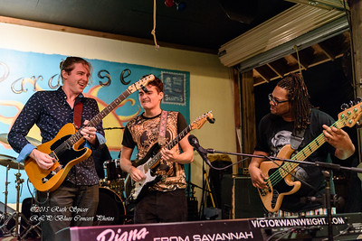 12-01-2015 - Victor Wainwright & The Wildroots - Paradise Bar & Grill #17