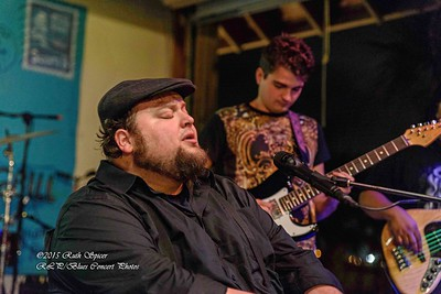 12-01-2015 - Victor Wainwright & The Wildroots - Paradise Bar & Grill #37