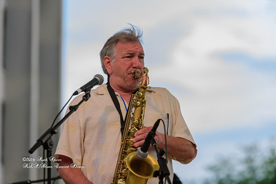 04-09-2016 - Walter Wolfman Washington & The Roadmasters - Baton Rouge Blues Festival #35