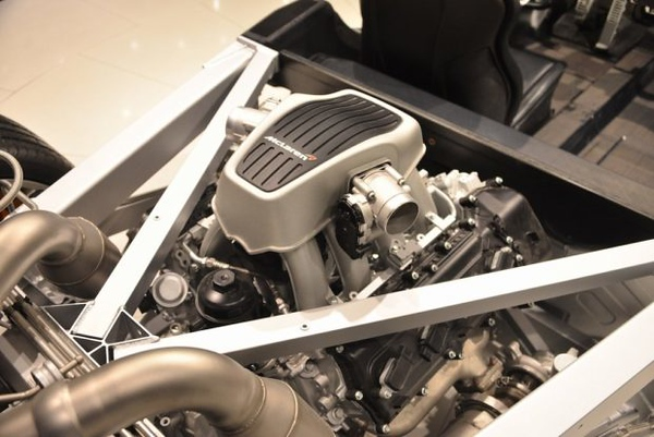 2012 McLaren MP4-12C (VIN SBM11AAB8CWXP1306) rolling display chassis