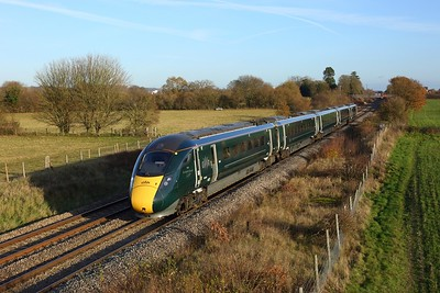 800009 powering 1K14 1307 London Paddington to Bedwyn at Enborne on 1 December 2020  Class800, GWR, BandH