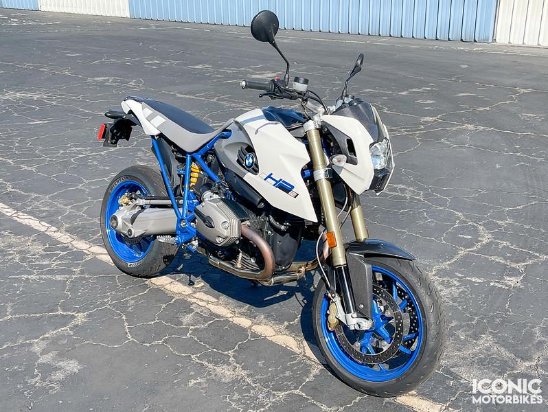 BMW HP2 Megamoto -  (1)