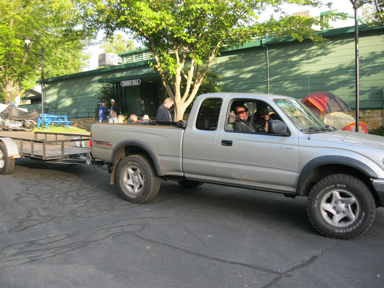 Veronica Rowan sets out to rescue MIke McKee with David Brakebill at the wheel. The truck belongs to Teresa Gutierrez and the trailer to Nathan Beck.