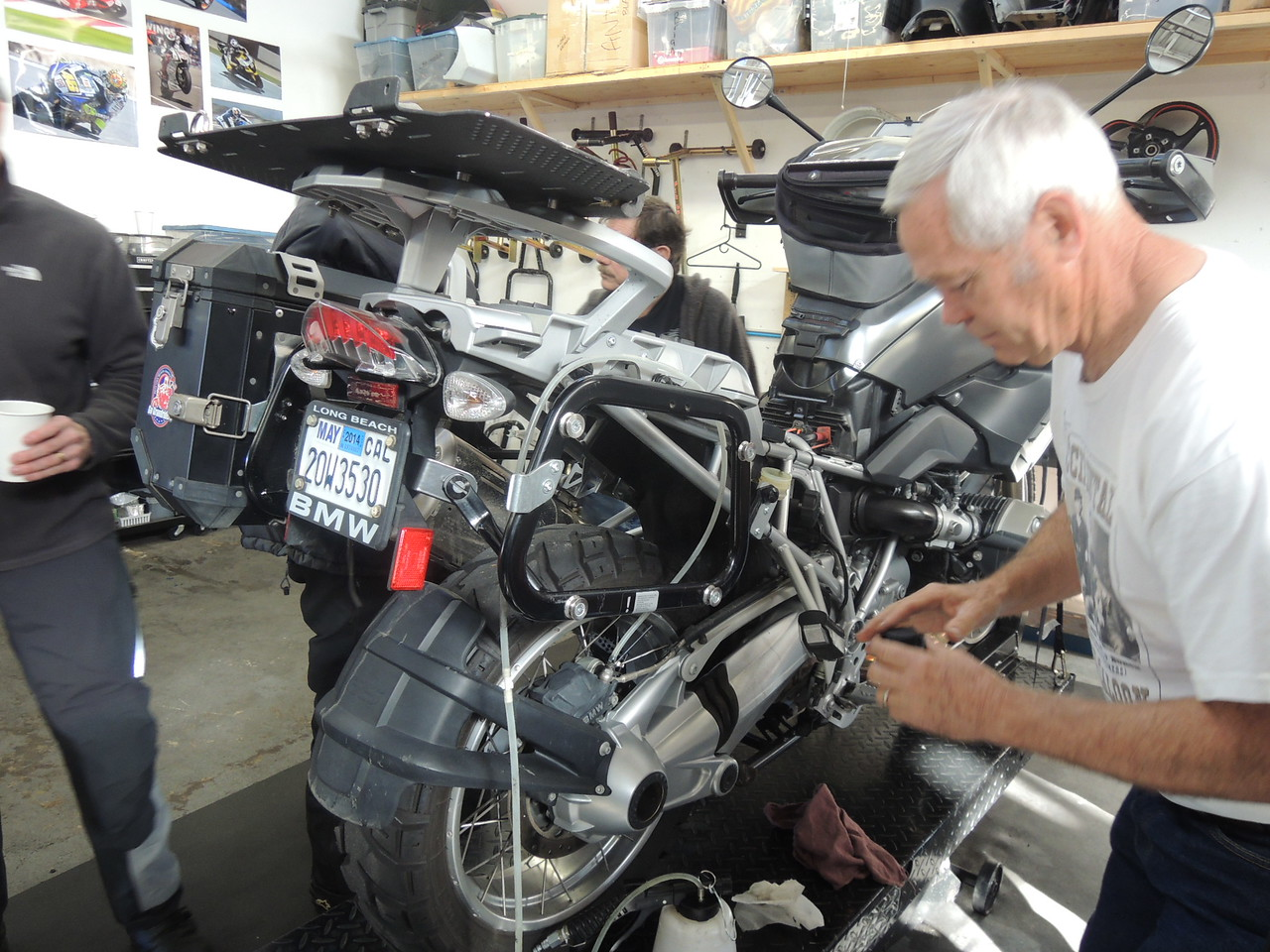 Russ Drake was next for the Periodic Brake Fluid Flush on his GS1200.