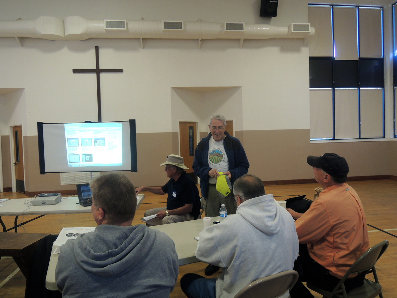 Bob Kuykendall welcomes seminar attendees
