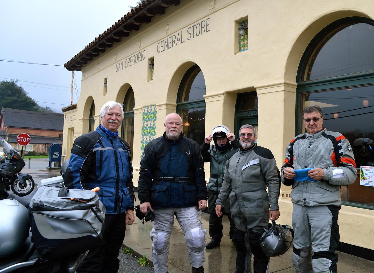 Steve, Chris, Rick,  George, Roger (Photo: Milo)
