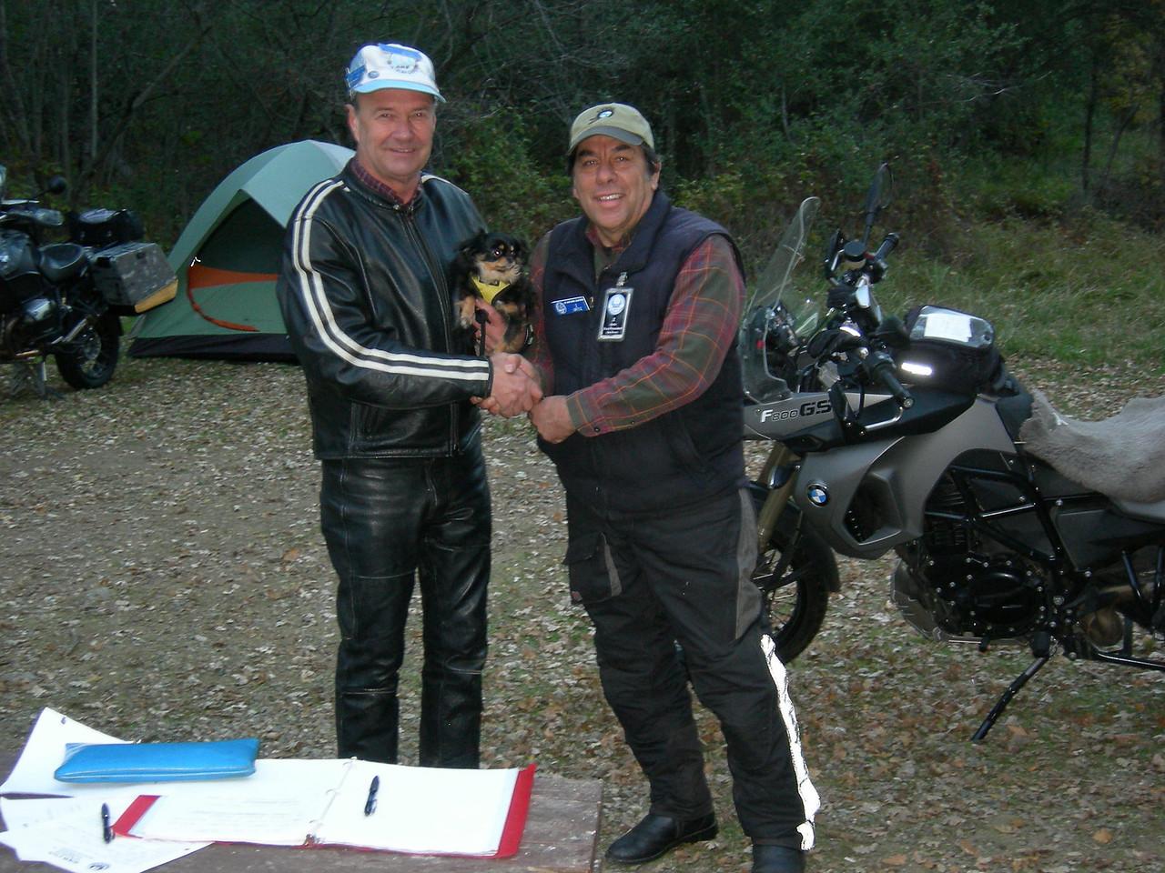 Steve Wilson receives his 35-year membership pin.