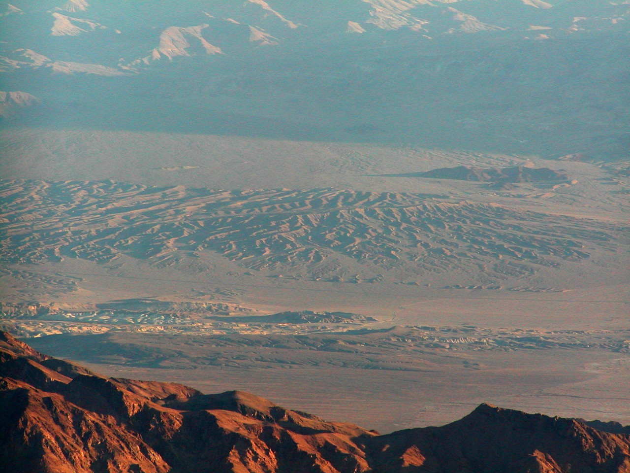 Looking at the sand dunes near Stovepipe Wells from Aguereberry Point at dawn