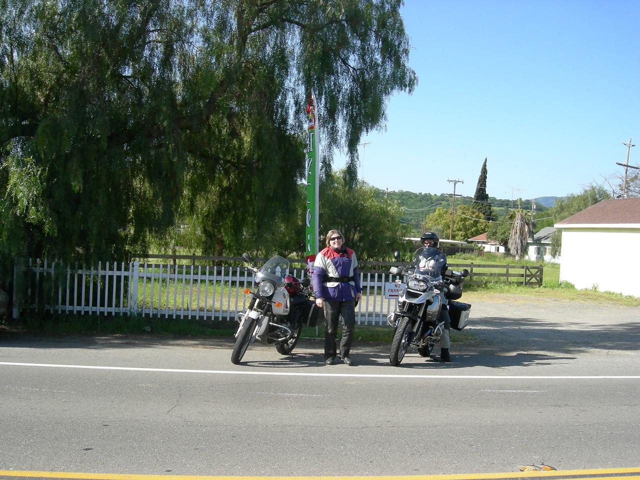 Pat & George Tsaconas in Tres Pinos.